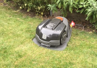 Levering en Plaatsing van Robot Maaiers